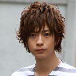 三浦翔平さんのパーマ風の髪型について「髪質はくせ毛?」人気のヘアスタイルはミディアム!!